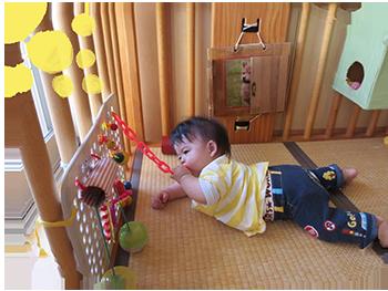 乳児の遊び